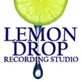 20582764-water-drop-from-slice-of-lemon copia copia
